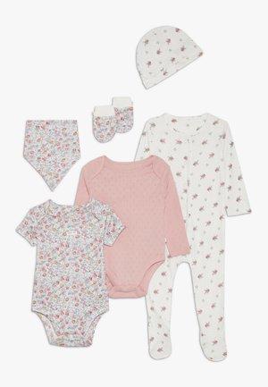 BABY SET - Halsdoek - pink