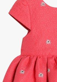 mothercare - FLOWER DRESS MINI GIRLS - Cocktailkjoler / festkjoler - coral - 2