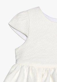 mothercare - FLORAL BORDER DRESS MINI GIRLS - Cocktailkjoler / festkjoler - white - 2