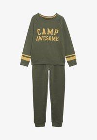 mothercare - CAMP AWESOME JOG SET - Sweatshirt - khaki - 4