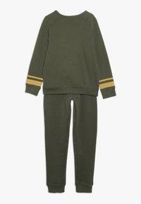 mothercare - CAMP AWESOME JOG SET - Sweatshirt - khaki - 1