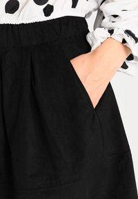 Moves - KIA - Áčková sukně - black - 3
