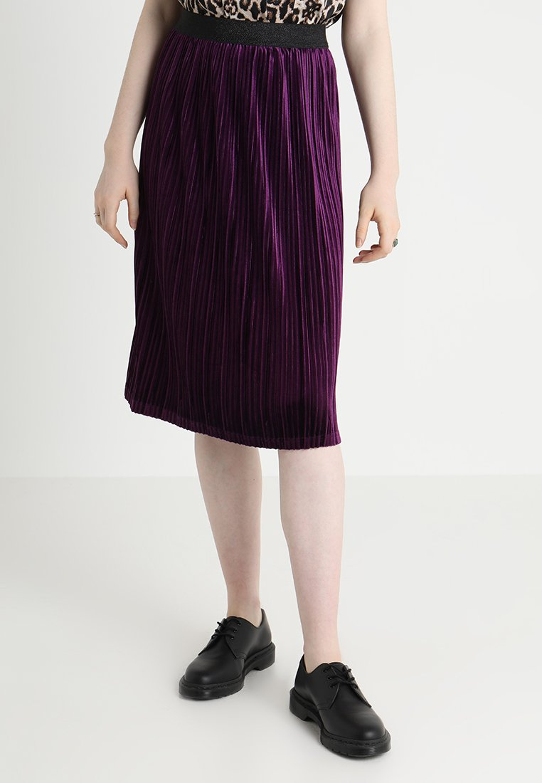 Moves - SAINT  - A-line skirt - grape juice