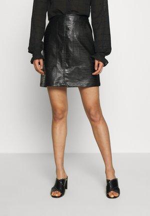 CROCA - Jupe trapèze - black