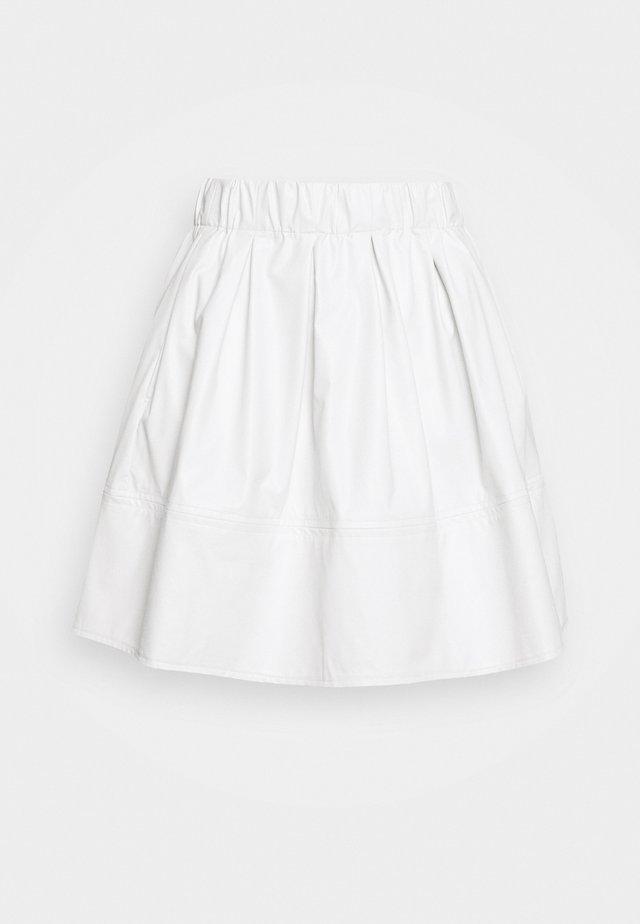 KIA 1832 - Áčková sukně - white