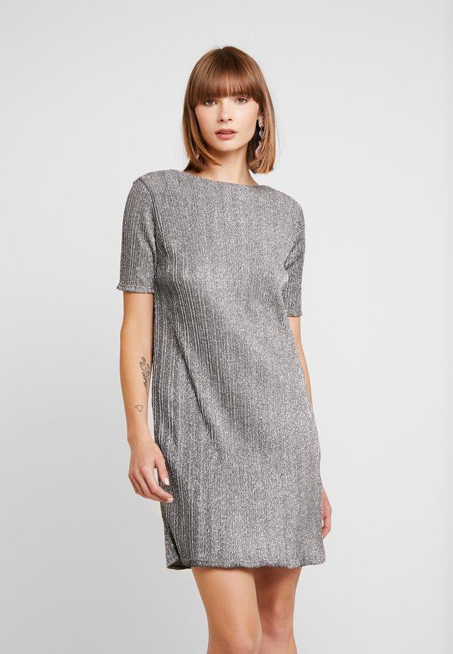 TIKLA - Day dress - silver