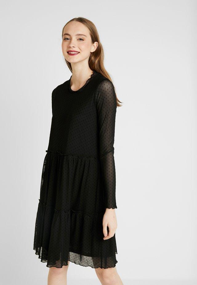 HUMA  - Vapaa-ajan mekko - black