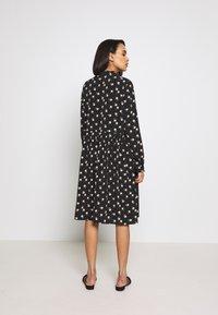 Moves - DANISA - Korte jurk - black - 2