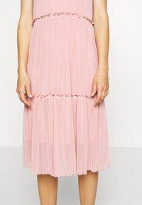 Moves - NAKKI - Pletené šaty - cashmere rose - 6