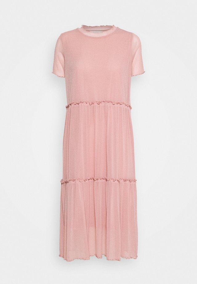 NAKKI - Korte jurk - cashmere rose