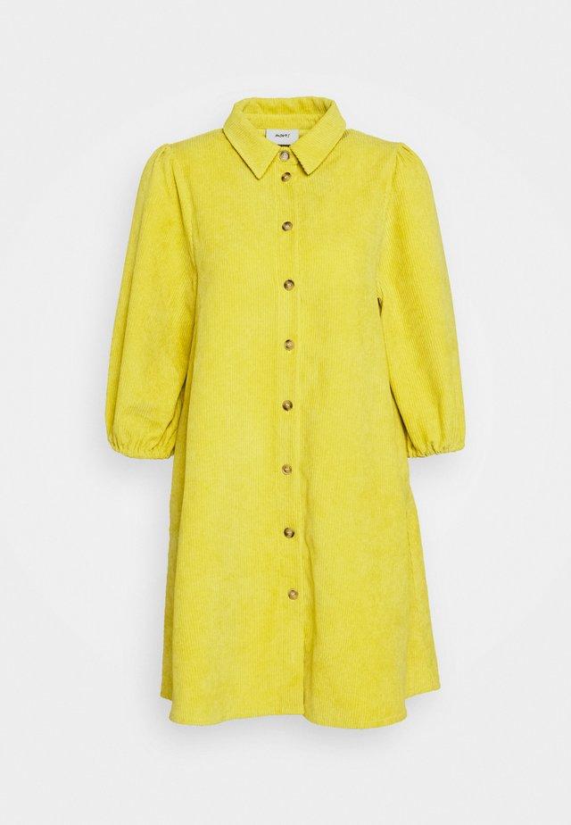 HALO - Sukienka koszulowa - cyber yellow