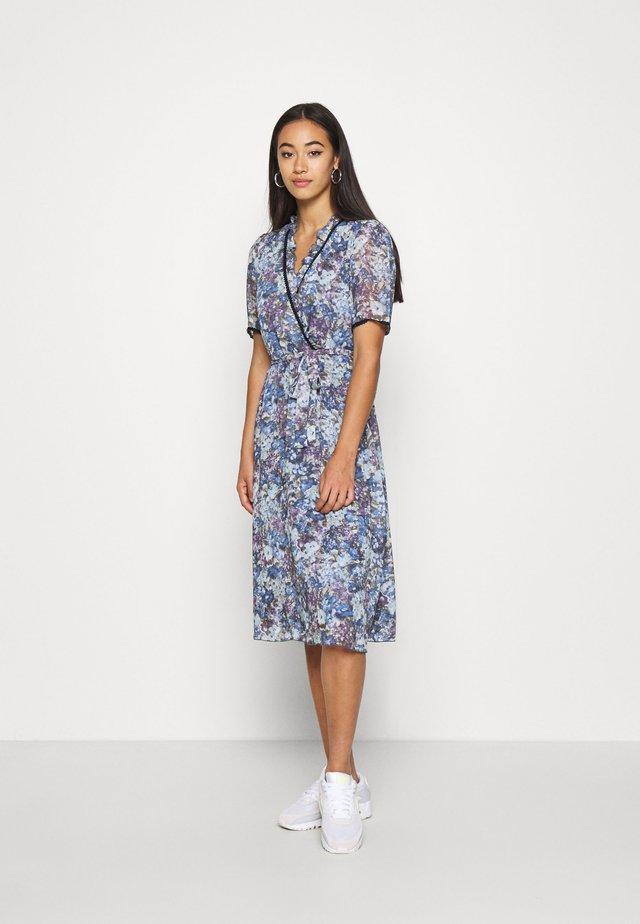 VALLERY - Denní šaty - sky blue