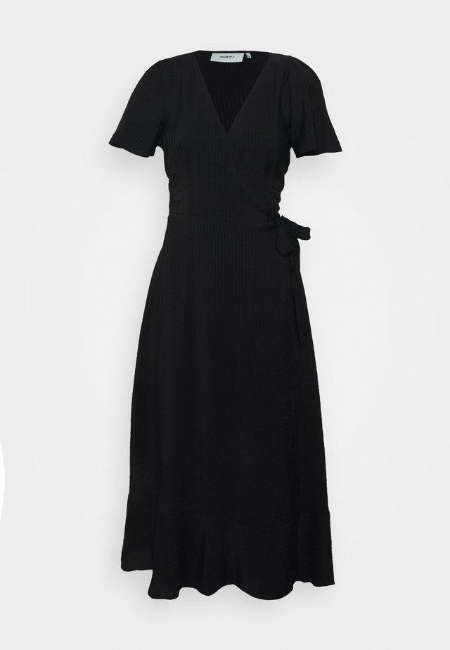 MASSU - Day dress - black