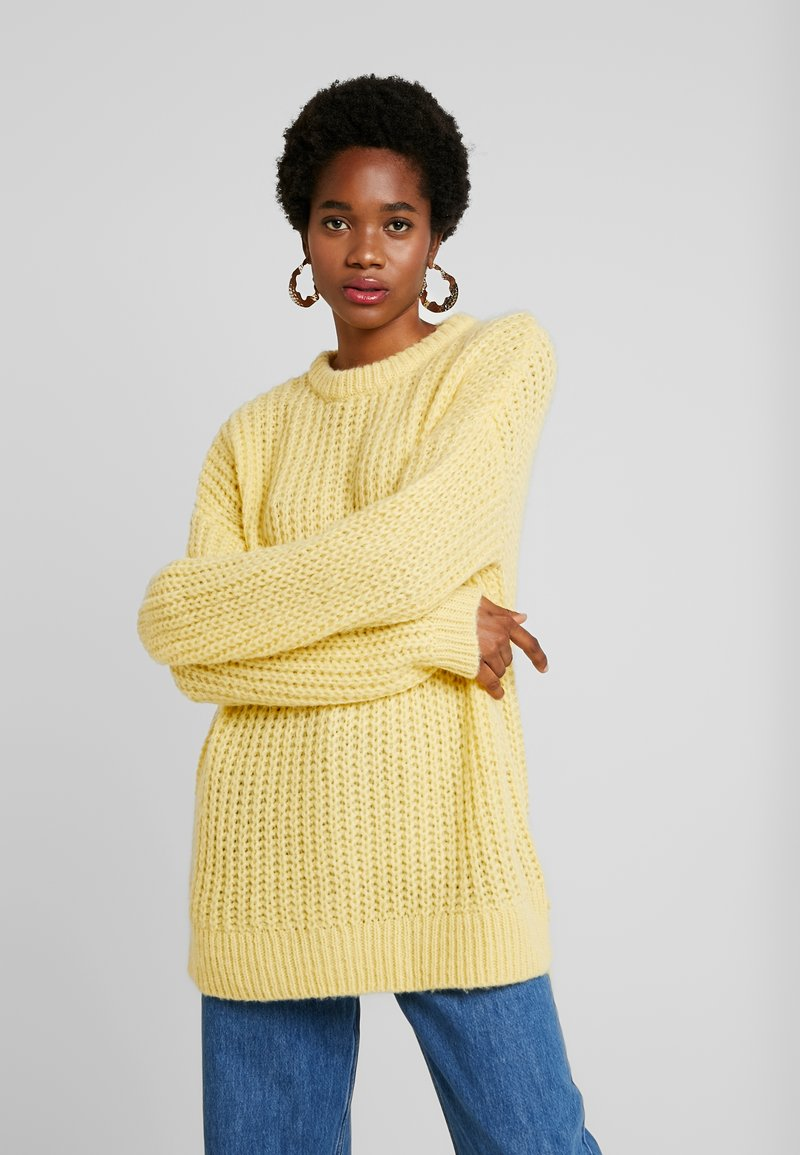Moves - GINNIA - Strickpullover - buttercup