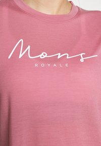 Mons Royale - SUKI TEE - Triko spotiskem - dusty pink - 5