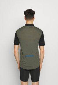 Mons Royale - CADENCE HALF ZIP - Print T-shirt - black/olive - 2