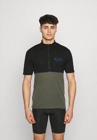 Mons Royale - CADENCE HALF ZIP - Print T-shirt - black/olive - 0
