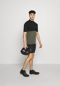Mons Royale - CADENCE HALF ZIP - Print T-shirt - black/olive - 1