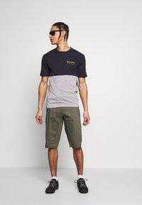 Mons Royale - CADENCE - T-Shirt print - iron/grey marl - 1