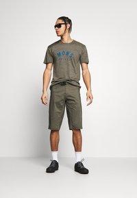 Mons Royale - VAPOUR - T-shirts print - olive - 1
