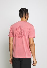 Mons Royale - ICON DYED - T-shirts print - vintage red - 2