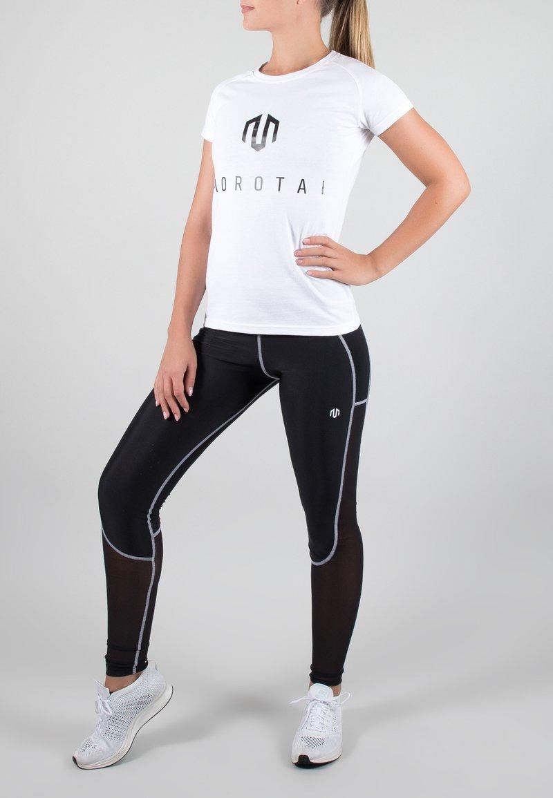 MOROTAI - Camiseta estampada - white/black
