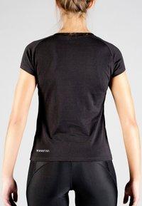 MOROTAI - Basic T-shirt - black - 1