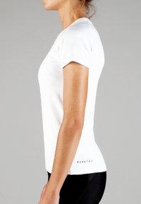 MOROTAI - Basic T-shirt - white - 3