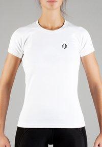 MOROTAI - Basic T-shirt - white - 0