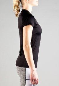MOROTAI - Basic T-shirt - black - 2