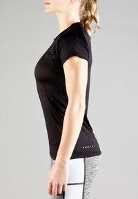 MOROTAI - Basic T-shirt - black - 3