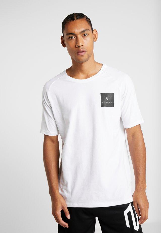 PREMIUM BLOCK LOGO  - T-Shirt print - white