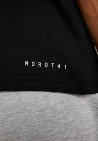 MOROTAI - PREMIUM BASIC - Basic T-shirt - black - 5