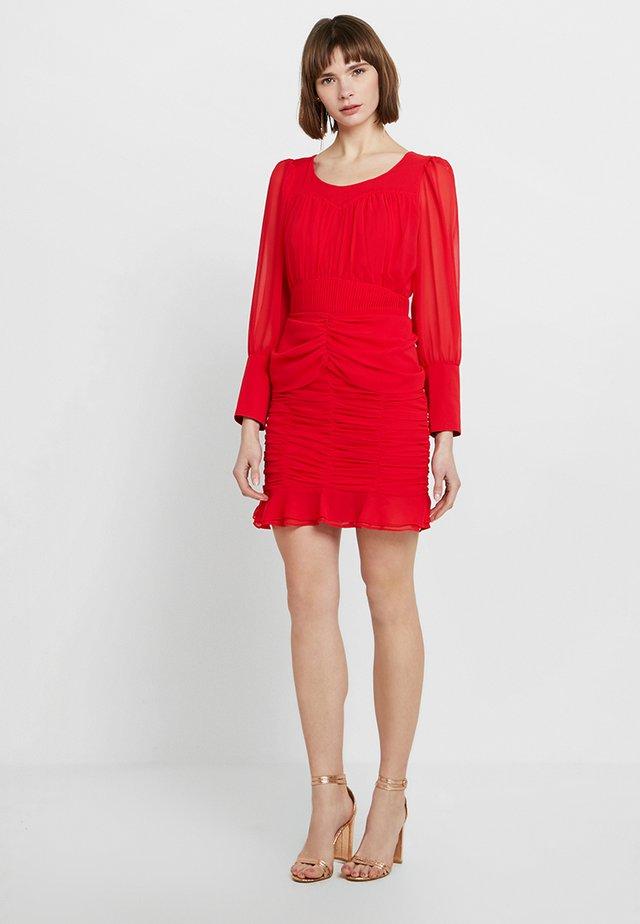 A PRECIOUS MOMENT DRESS - Juhlamekko - scarlett