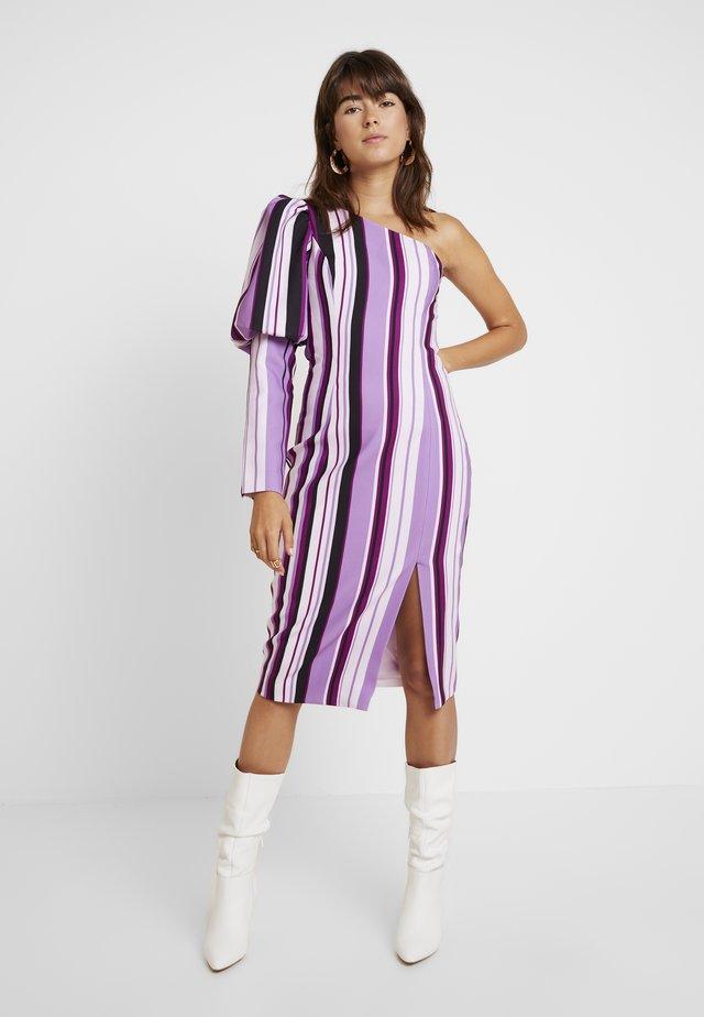 THE NEW SENSATION DRESS - Juhlamekko - purple
