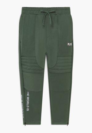 PADUA - Teplákové kalhoty - laurel