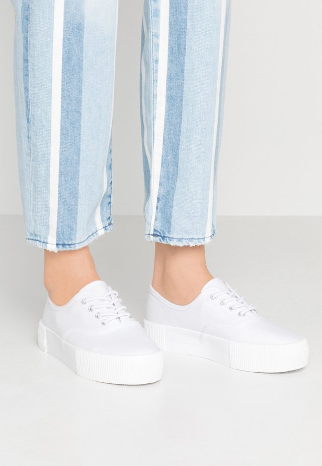 KENDRA SHOES - Sneakersy niskie - white
