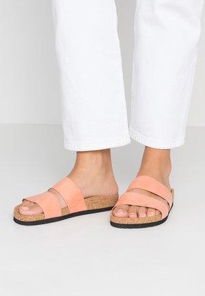 LIZA - Domácí obuv - pink