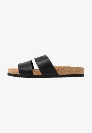 LIZA - Domácí obuv - black