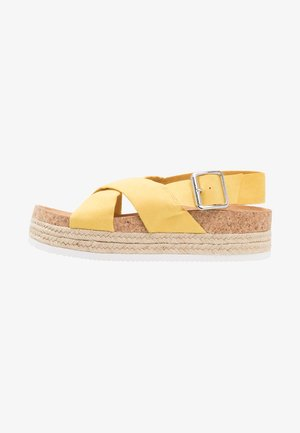 JANNIKE - Platform sandals - yellow