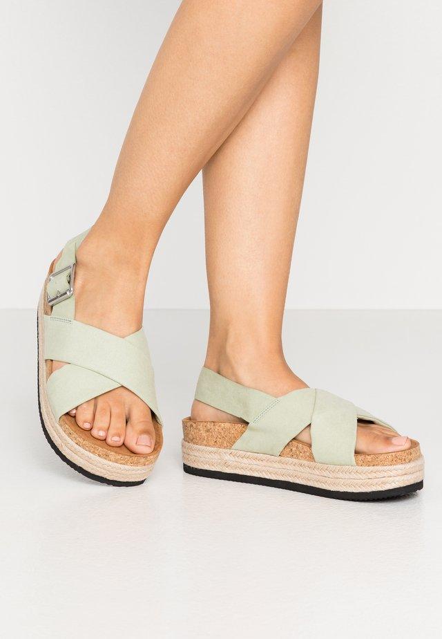 JANNIKE - Korkeakorkoiset sandaalit - sage