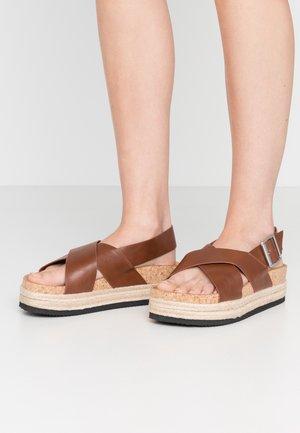 JANNIKE - Platform sandals - brown