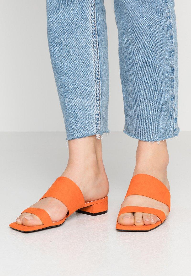 Monki - VERONA - Ciabattine - orange
