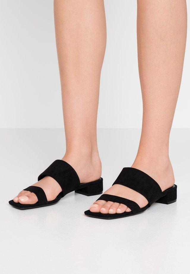 VERONA - Pantolette flach - black