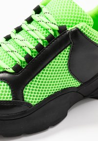 Monki - RITVA - Joggesko - black/green - 2