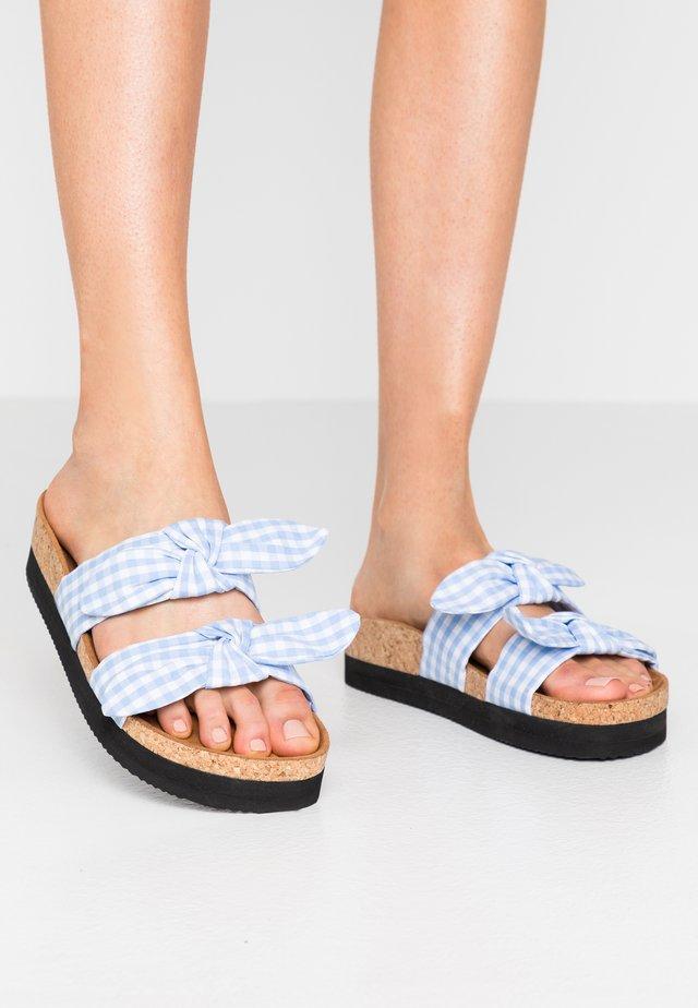 ANOK  - Pantofle - light blue check