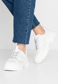 Monki - HEDVIG - Sneakers - white - 0