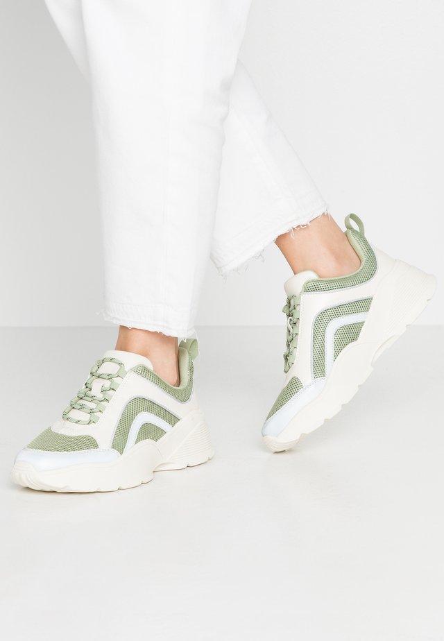 RITVA - Joggesko - green/white