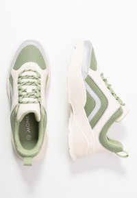 Monki - RITVA - Baskets basses - green/white - 3