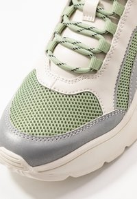 Monki - RITVA - Sneakers - green/white - 2